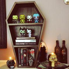 Coffin Bookcase// Dark Stain ⚰ SHOP: WWW.DEADRINGERHOMEWARES.COM #deadringer #deadringerhomewares #instagoth #instahorror #popvinyl #funko #nerd #geek #livingdeaddoll #evil #dracula #vampirewine #duskcandles #madeinmelbourne #melbournemade #supportlocal #horror #coffin  @originalfunko @popvinyl @livingdeaddollsofficial