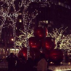 NY at Night #nyc #holiday #decorations #christmas #winter #sixthavenue #avenueoftheamericas #radiocity #nycatnight