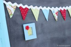 Ric Rac how-to-make-bunting. Make Bunting, Fabric Bunting, Bunting Garland, Buntings, Bunting Tutorial, Diy Tutorial, Crafts For Kids, Diy Crafts, Pennant Banners