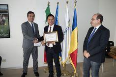 """Alex Lin, #Changhong Italian General Manager, è stato premiato dalla Camera di Commercio e Industria della #Romania in Italia, dalle mani del Presidente Eugen Terteleac. Il diploma di merito è stato conferito """"all'imprenditore che ha mostrato e dimostrato in Europa il valore dell'imprenditoria italiana""""."""