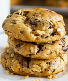 PEANUT BUTTER OATMEAL CHOCOLATE CHIP COOKIES: