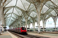 GARE DO ORIENTE = TRAIN STATION GARE DO ORIENTE - Lisboa - Portugal