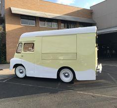 #RestoringGrace the🍦truck crowdfunding her launch in Nov. for weddings,soirées 📷 shoots MELBOURNE, Aus Scott@ShortBatch.co Vintage Ice Cream, Melbourne, Saving Grace, Van, Trucks, Vehicles, Classic, Instagram Posts, Restoration