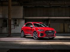 Recently Audi officially launched the Audi RS and Audi RS Sportback. Audi Sport, Audi Rs7, Audi Quattro, Samsung, Fender Flares, Black Accents, Dream Cars, 5 Seconds, Cutaway