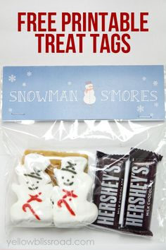 Could easily do these as Christmas treat bags. Adorable Snowman S'Mores Treat Bags - Great idea for kids parties or neighbor gifts Christmas Treat Bags, Christmas Goodies, Christmas Printables, All Things Christmas, Christmas Holidays, Christmas Gifts, Snowman Printables, Easter Printables, Homemade Christmas