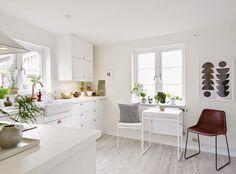 53 Countesses: HOME INTERIORS: 4 cocinas luminosas ♥ 4 shiny happy kitchens