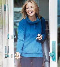 """Kate Hudson Launches Fabletics Athleticwear Line; """"Lives"""" in Leggings"""