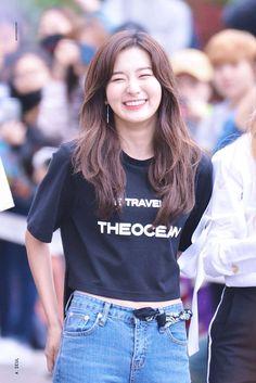 Kpop Girl Groups, Korean Girl Groups, Kpop Girls, Sooyoung, Oppa Gangnam Style, Kang Seulgi, Red Velvet Seulgi, Airport Style, Swagg