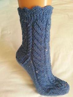 Rumpelstilzchen - free sock pattern on Ravelry Lace Socks, Crochet Slippers, Knit Or Crochet, Ankle Socks, Knitting Blogs, Loom Knitting, Knitting Socks, Hand Knitting, Bed Socks