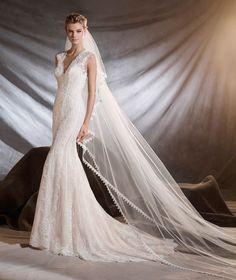 OSIRIS - Robe de mariée en guipure et dentelle de Chantilly