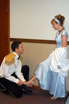 Cinderella and Prince Charming, OMG I want this pic from prom and my wedding :-D