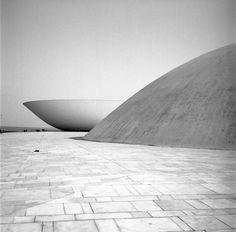 Brasilia, 1963 © Lucien Clergue …                                                                                                                                                                                 Plus