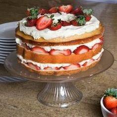 Pastel de fresas con crema @ http://allrecipes.com.mx
