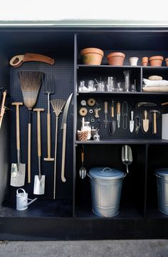 A New Use for Chalkboard Paint: Toolshed Makeover, Garden Edition Michelle created her tiny, garden shed by co-opting space from her garage behind her Mill Valley, California, home. (See Steal This Look: My Mini Garden Shed in a Garage for mor Garden Tool Storage, Shed Storage, Garden Tools, Pegboard Storage, Storage Ideas, Diy Storage, Backyard Storage, Outdoor Storage, Shed Shelving