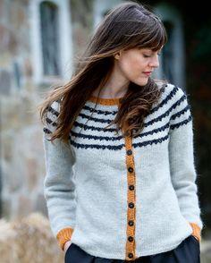 Strik selv: Stribet trøje med kontrastkanter - Hendes Verden