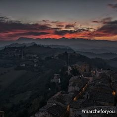 #Petritoli - #Fermo  by @giamaco  Amici, ecco che arriva un tramonto da Petritoli per un caldo augurio di buona serata!