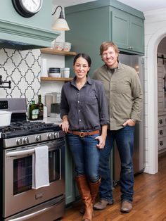Cody and Katie are ready to leave the big city of Houston and get back to their roots in Waco, the home of their alma mater. Chip and Joanna Gaines help them transform a dated '40s ranch house into a stylish and appealing home that's ideal for raising a family. From the experts at HGTV.com.