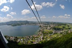 SIGHTS. Grünberg. From beyond the railroad station, a 12-minute cable-car ride brings you to the top of the Grünberg. From here you will have a superb view over the Traunsee, with the Dachstein glacier forming the backdrop in the south. In winter there are good ski ru