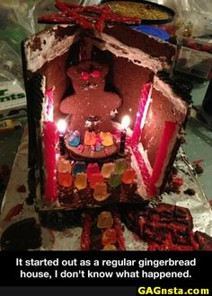:) It started out as a regular gingerbread house, I don't know what happened. - Check out loads of funny viral images. Funny Images, Funny Pictures, Funny Pics, Cooking Humor, Christmas Humor, Tumblr Funny, The Funny, Holiday Fun, Holiday Decor