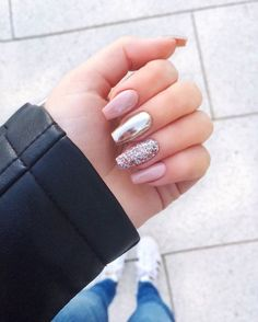 25 elegant nail designs that will inspire your next mani - pink chrome glitter . - 25 elegant nail designs that will inspire your next mani – pink chrome glitter nails, nail art de - Elegant Nail Designs, Elegant Nails, Nail Art Designs, Chrome Nails Designs, Glitter Nail Designs, Romantic Nails, Nude Nails, Manicure And Pedicure, Pink Nails