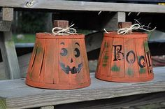 Cute pumpkins made from paint and baskets are a great decoration for Halloween. Head over to BabyBerry for the tute — BabyBerry: Pumpkin Baskets. Halloween Baskets, Halloween Pumpkins, Halloween Crafts, Halloween Decorations, Fall Decorations, Halloween Stuff, Fake Pumpkins, Halloween Games, Halloween Costumes