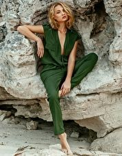 Melissa Odabash Santa Jumpsuit - Olive Melissa Odabash Olive Santa Trouser Suit will have you leading the fashion pack on the beach with its rich olive hue and plunging neckline http://www.comparestoreprices.co.uk/january-2017-9/melissa-odabash-santa-jumpsuit--olive.asp