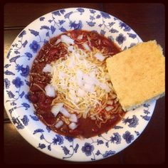 This put me in the mood for chili... Easy Chili & Sweet Cornbread