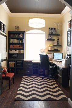 Work From Home Office Organization. This home office is something else! Guest Room Office, Home Office Space, Home Office Design, Home Office Decor, House Design, Home Decor, Office Ideas, Office Furniture, Cozy Office