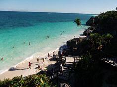 Pasear por la #playa, disfrutar del sol y descubrir los arrecifes de corales y la historia que envuelve la cultura maya con la mejor de las fiestas nocturnas. Todo esto y mucho más se encuentra en la #RivieraMaya, uno de los viajes más de moda entre los universitarios.