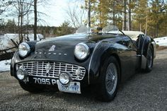 Cute cars photos are offered on our website. Old Sports Cars, Vintage Sports Cars, British Sports Cars, Classic Sports Cars, Retro Cars, Vintage Cars, Antique Cars, Classic Cars, Triumph Motor