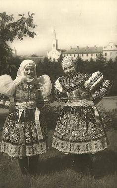 http://www.vetrnemlynky.cz/userFiles/kroje/kyjov_2.jpg