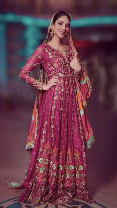 Pakistani Mehndi, Mehndi Brides, Wedding Wear, Asian Fashion, Phoenix Wings, Sari, Indian, Bride Dresses, Bridal