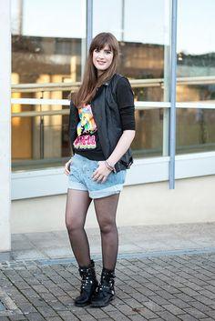 Lässiges Outfit mit Jeans Shorts