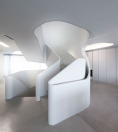 Ols House, Stuttgart, Germany by J.Mayer Architect: don't like the house, but quite fancy this voluptuous stair...