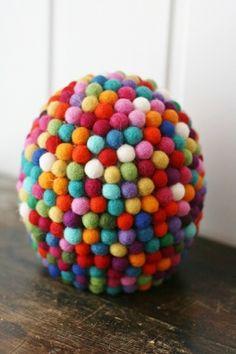 Påskeegg / Kari Anne Marstein / Epla Sprinkles, Candy, Food, Products, Essen, Meals, Sweets, Candy Bars, Yemek