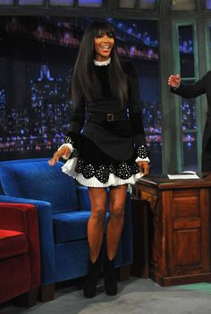 """Naomi Campbell Photos - Naomi Campbell visits """"Late Night With Jimmy Fallon"""" at Rockefeller Center on February 2013 in New York City. - Naomi Campbell & Justin Bieber Visit """"Late Night With Jimmy Fallon"""" Jimmy Fallon, Irina Shayk, Naomi Campbell, Top Models, Claudia Schiffer, Alexander Mcqueen, Vogue Brazil, Laura Bailey, Mini Vestidos"""