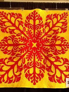 beautiful hawaiian quilt, very traditional