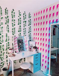 Home Decoration Diy .Home Decoration Diy Cute Bedroom Ideas, Cute Room Decor, Teen Room Decor, Room Ideas Bedroom, Bedroom Inspo, Bedroom Decor, Wall Decor, Neon Room, Retro Room