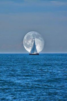 Sailing close to the wind in the moonlight. Sailing close to the wind in the moonlight. Beautiful Moon, Beautiful World, Beautiful Scenery, Beautiful Artwork, Beautiful Things, Cool Photos, Beautiful Pictures, Shoot The Moon, Moon Pictures