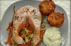Lazac | Fotó: gizi-receptjei.blogspot.hu - PROAKTIVdirekt Életmód magazin és hírek - proaktivdirekt.com Fish Dishes, Naan, Fish Recipes, Baked Potato, Shrimp, Muffin, Potatoes, Baking, Ethnic Recipes