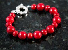 stora korall kulor med silverlås - chunky coral beads with silver clasp