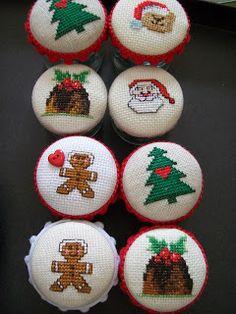 Christmas Cross, Christmas Time, Felt Crafts, Hobbit, Painted Rocks, Cross Stitch, Seasons, Painting, Felting