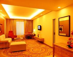 Top-notch business services, a spa for a great massage at Hotel The Lalit New Delhi