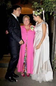 Bernardo Guillermo and Eva Prinz-Valdes with mother Princess Christina after the wedding in the Our Lady Queen of All Saints church in Brooklyn, New york, 4 Sep 2009. Bernardo is the oldest son of Princess Christina, and she is the youngest sister of Queen Beatrix of the Netherlands