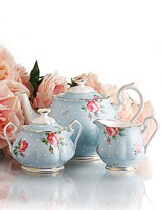 Royal Albert New Country Roses Polka Blue 3 Piece Tea set. I have the Old Country Roses! Royal Albert, Prince Albert, Tea Cup Saucer, Tea Cups, Keramik Vase, Teapots And Cups, My Cup Of Tea, China Patterns, Vintage China