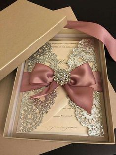 Excellent Picture of Wedding Invitations Wedding Invitations invitations with pictures Hot Wedding Invitation Trends You Need to Know -Relaxwoman Wedding Boxes, Gold Wedding, Wedding Cards, Dream Wedding, Wedding Day, Trendy Wedding, Wedding Venues, Ribbon Wedding, Formal Wedding