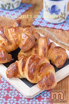 Croissants au beurre comme à la boulangerie et déjà 3 ans de blog ! - Macaronette et cie