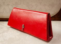 Red leather handbag / Luxe wedding clutch / Women purse / Bridal accessories bag / White pouch / Bridesmaid bag / Womens purses / de AnaPregodesign en Etsy