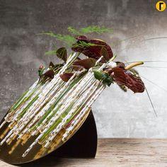Christmas arrangement with paper straws totaal Bea Beroy Flower Factor