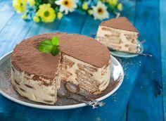 Portuguese Desserts, Portuguese Recipes, Delicious Desserts, Dessert Recipes, Biscuit Cake, Cake Bars, Bread Cake, Food Cakes, Fall Recipes